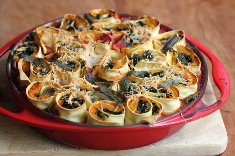 Rotolo di pasta with squash and spinach