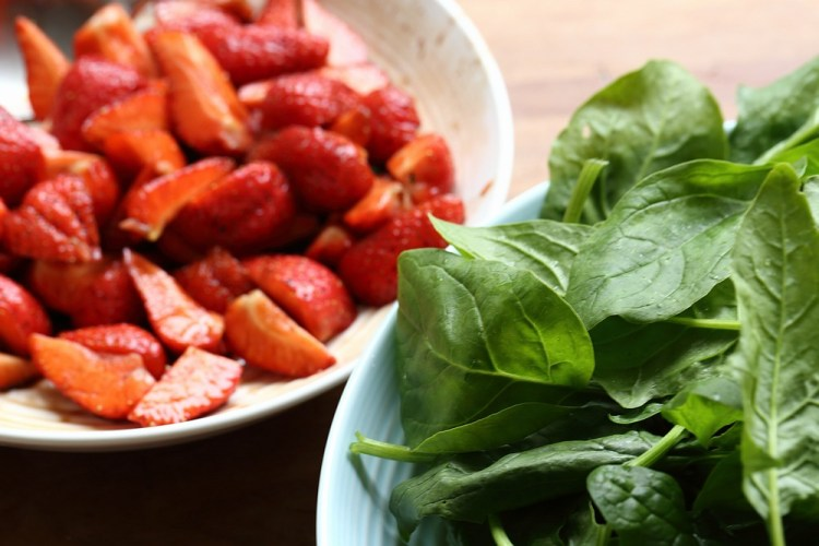spinach and marinated strawberries