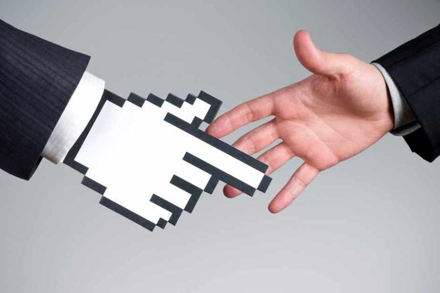 AI in B2B Marketing: Human vs. Martech Intelligence
