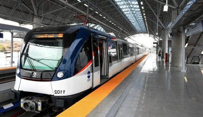 Línea 3 del metro - Grúas SHL