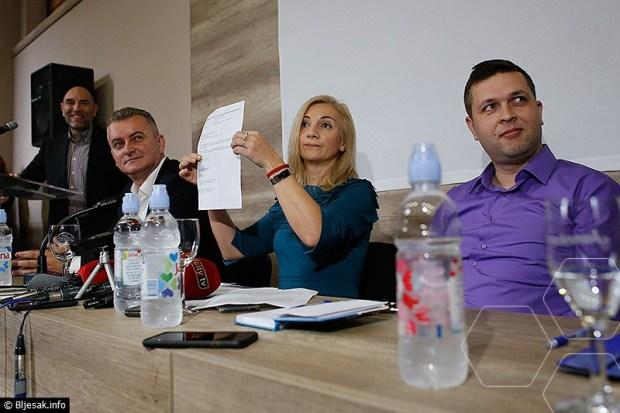 treci-kanal-politoloski-forum2