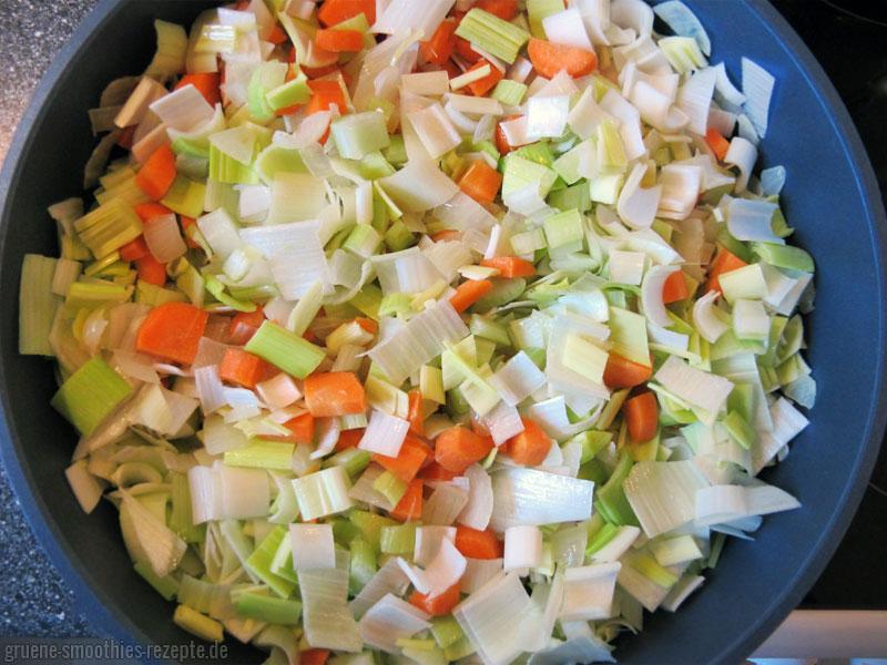Das Gemüse für die vegane Bratensosse