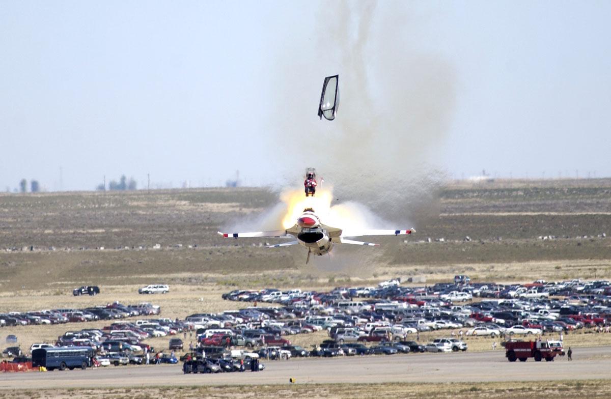 f-16 Thunderbird accident