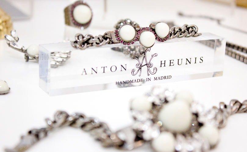 """Anton Heunis: """"Todo comenzó en el tocador de mi abuela"""""""