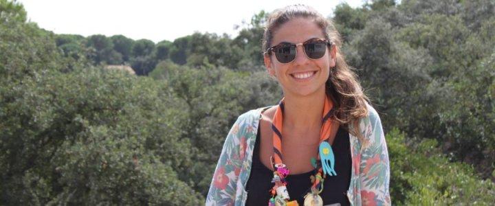 María, coordinadora del campamento de chispas