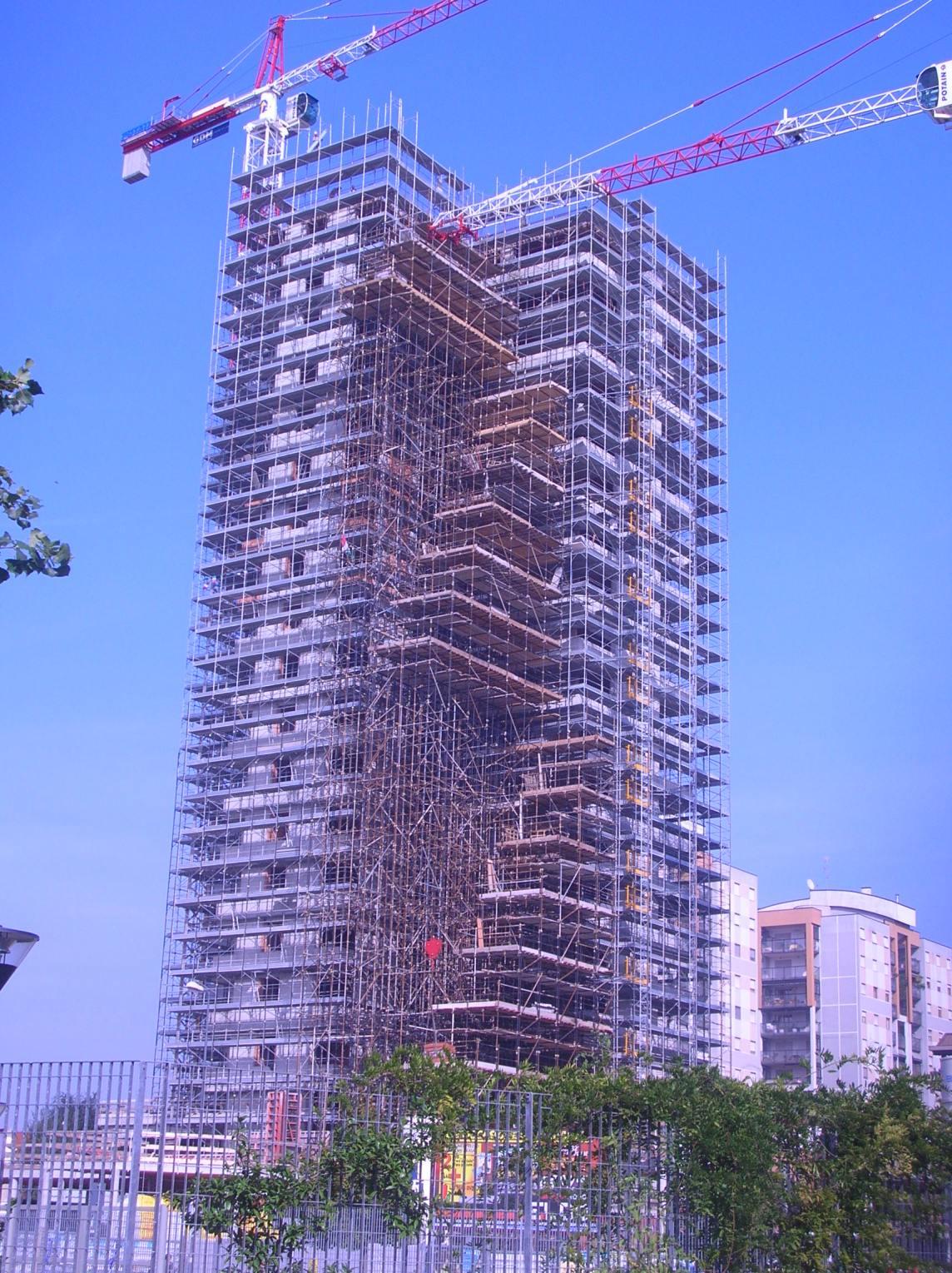 Grattacielo Via Trasimeno Milano - Gruppo Di Falco Ponteggi