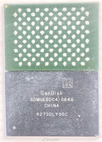 Pamięć wewnętrzna 64 GB od firmy SanDisk / fot. Weibo, GeekBar