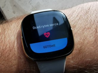 Fitbit Sense badanie EKG (1)