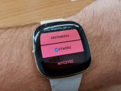 Fitbit Sense przykładowe powiadomienie (2) / fot. techManiaK
