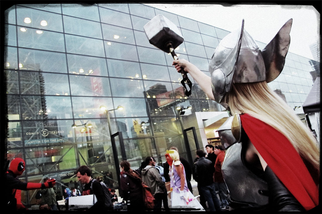 female-thor-cosplay-nycc14_6