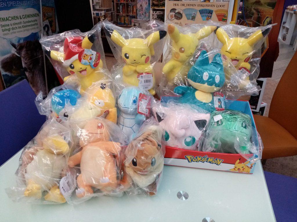Games, Toys & more Pokemon Plüsch Merchandize Linz