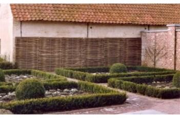 Hazelaar tuinafscheiding
