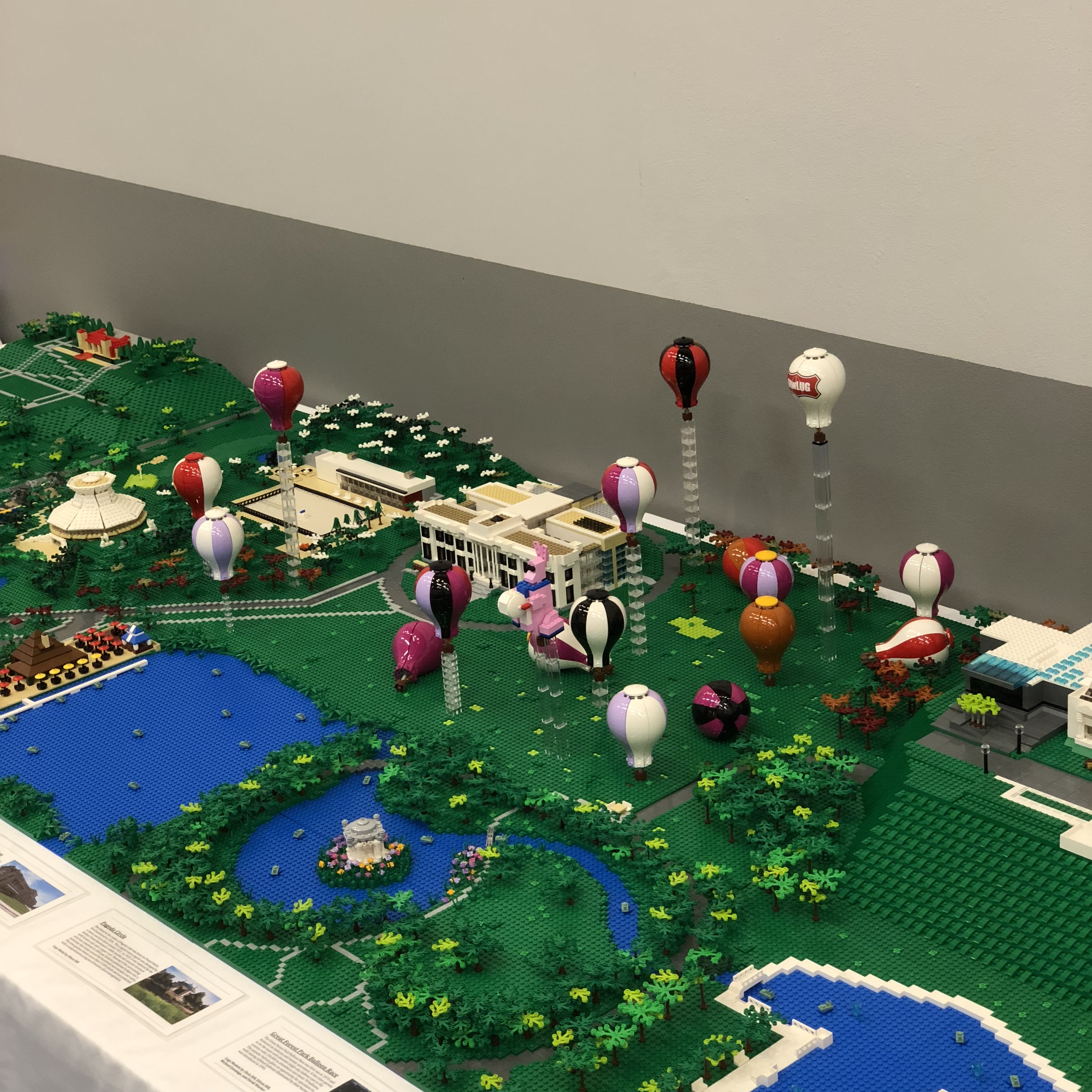 1:300-scale Forest Park