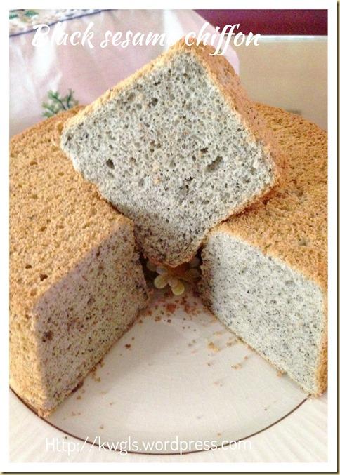 Black Sesame Chiffon Cake (黑芝麻戚风蛋糕)