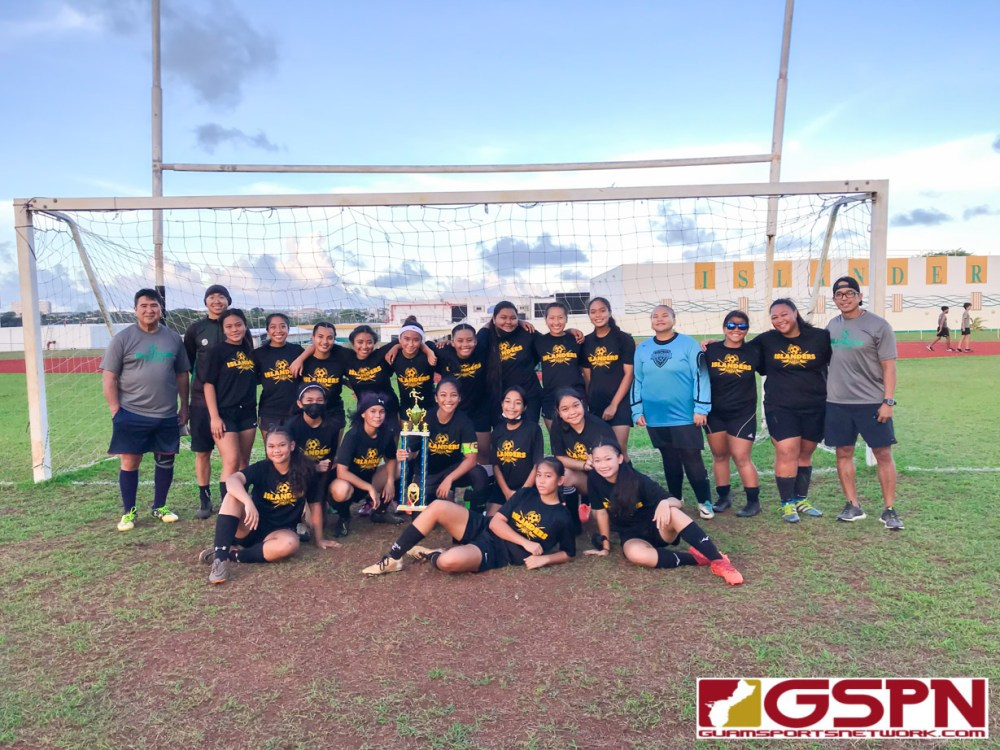 Two titles in one evening! ISA Soccer was dominated by the green and gold this ISA Soccer Season.
