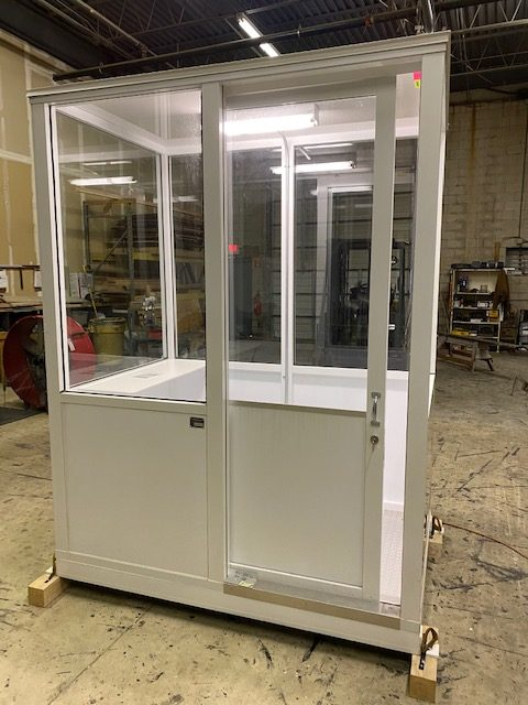 4 x 6 ECONO Booth White-Sliding door-Model#46ECONO