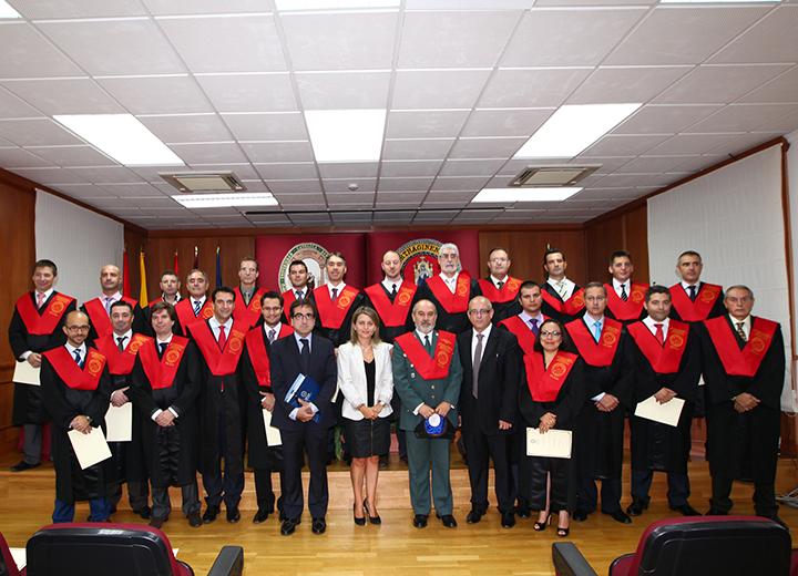 El coronel José Ortega dirigiéndose a directores, docentes, graduados y asistentes al acto.