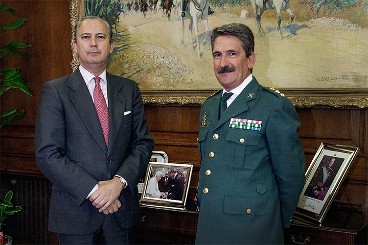 El Director General recibe al Coronel Francisco Javier Hernández Marco con motivo de su nombramiento como Jefe de la Zona de Navarra