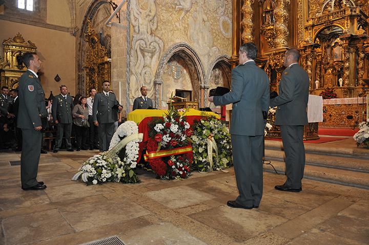 El Director General asiste al funeral del Guardia Civil de Tráfico fallecido durante la tarde de ayer en acto de servicio en Tordesillas (Valladolid)