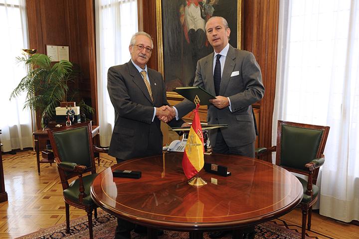 El Director General y el Director del Centro Universitario de la Defensa firman un procedimiento para sufragar costes de enseñanza de formación de los alumnos de la Guardia Civil
