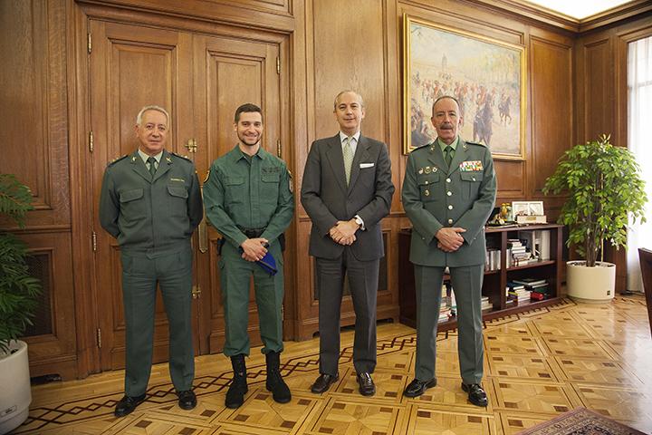El Director General recibe al capitán del cuerpo que ejercerá de oficial de planeamiento en la misión EUROFOR en la República Centroafricana