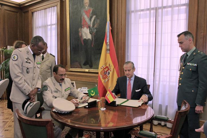 El Director General de la Guardia Civil y el Director General de la Gendarmería de Mauritania firman un Memorando de cooperación en materia de inmigración irregular