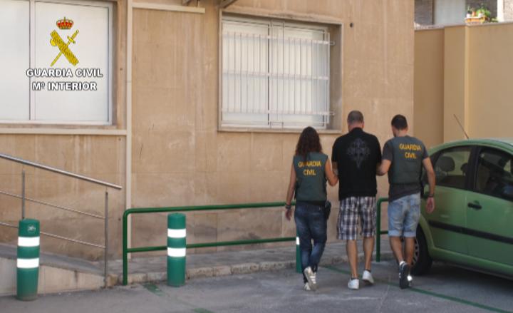 La Guardia Civil detiene a un fugitivo italiano buscado por su pertenencia a organización criminal y delitos de tráfico de drogas
