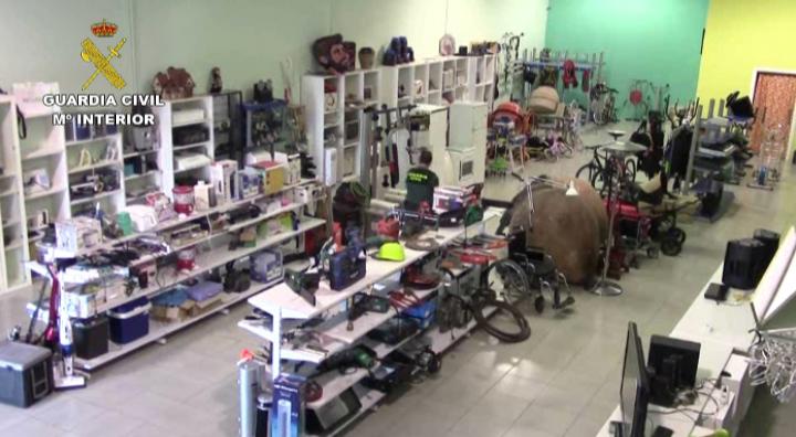 La Guardia Civil desmantela un establecimiento especializado en vender  objetos robados por toda España