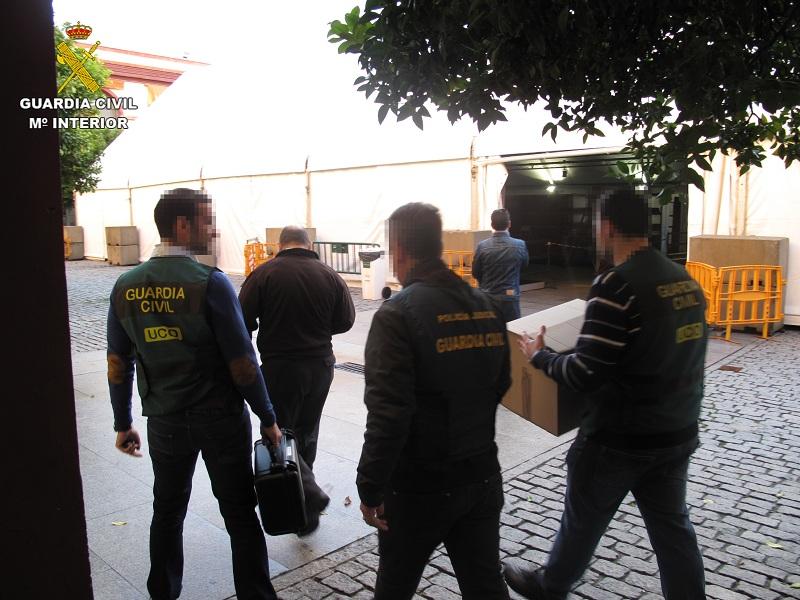 La Guardia Civil desarticula una organización criminal dedicada a la obtención fraudulenta de contratos públicos