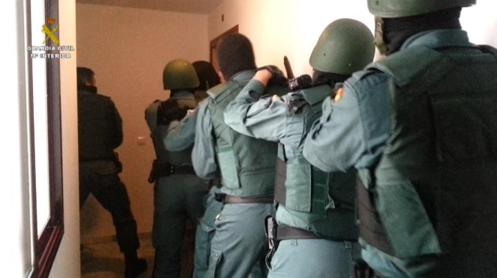 La Guardia Civil detiene a los 25 integrantes de una red dedicada al narcotráfico en el Campo de Gibraltar