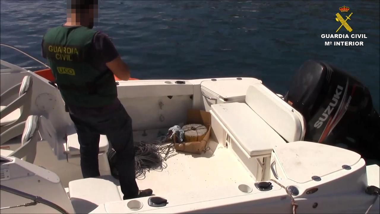 La Guardia Civil desarticula una  organización criminal dedicada al tráfico de drogas entre Marruecos y las Islas Canarias