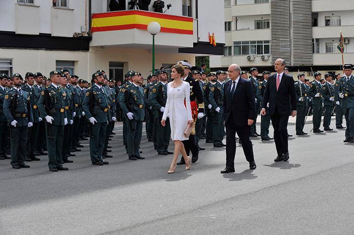 La Reina ha presidido el acto de entrega de una Bandera Nacional a la 11ª Zona de la Guardia Civil en el País Vasco en reconocimiento a su labor en esta Comunidad autónoma