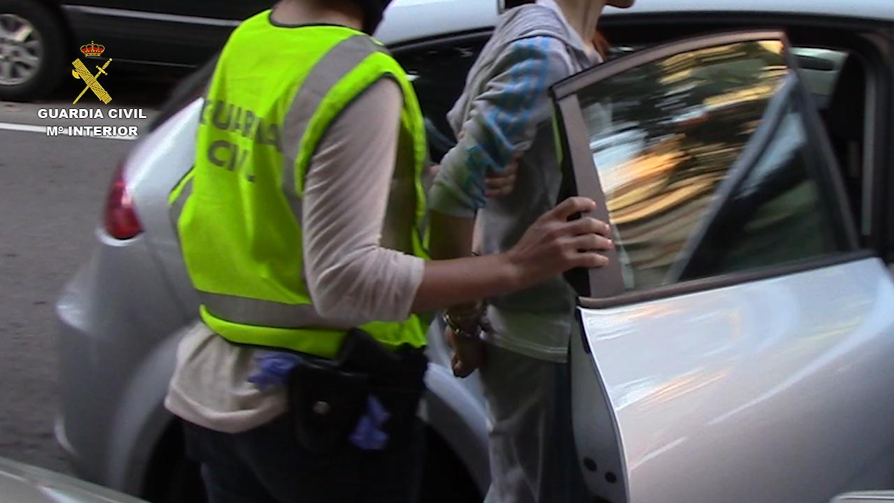 La Guardia Civil desarticula una organización criminal china dedicada al tráfico de seres humanos