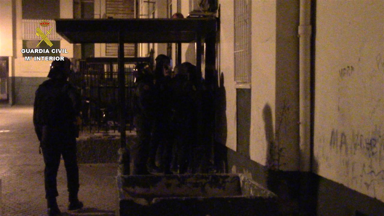 """La Guardia Civil detiene a 4 personas responsables de varios secuestros express mediante el método de """"Policías Full"""""""