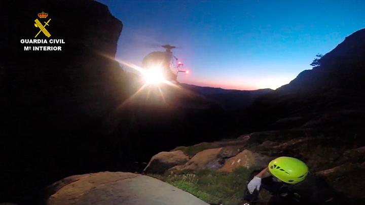 La Guardia Civil rescata a una pareja de montañeros accidentada en la faja Carriata en Ordesa (Huesca)