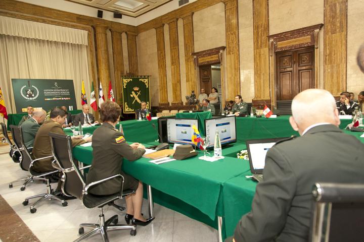El Director General de la Guardia Civil inaugura un Encuentro de Directores de Policías Iberoamericanos