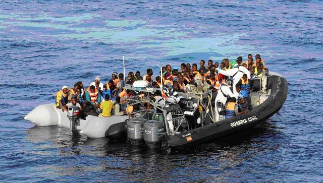La Guardia Civil y la Guardia Costiera rescatan a 523 inmigrantes cerca de la costa de Líbia