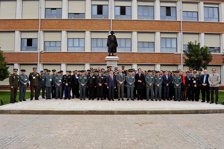 """El Director General de la Guardia Civil ha clausurado el Curso Internacional """"Innovación Tecnológica en el Ámbito Policial"""""""