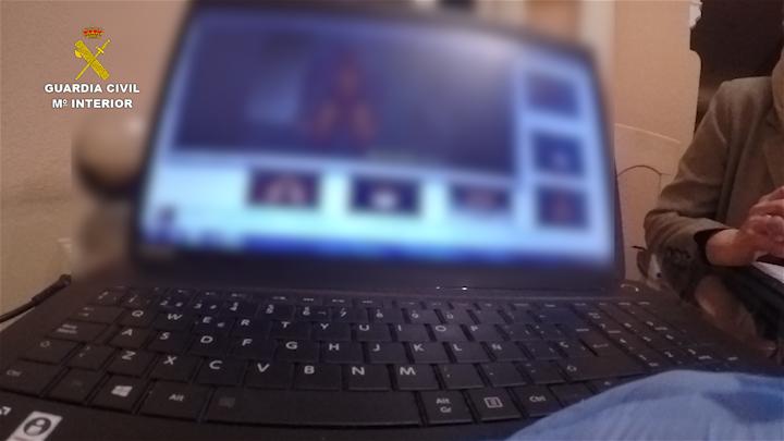 La Guardia Civil detiene a 8 personas por consumir pornografía infantil a través de la red TOR