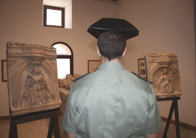 Regresan a la Catedral Magistral de Alcalá de Henares dos relieves del sepulcro del Arzobispo de Toledo, Alonso Carrillo de Acuña, desaparecidos en la Guerra Civil