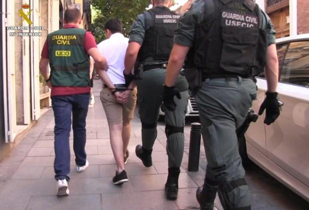 La Guardia Civil detiene en Madrid al mayor ciber-estafador en la historia de España