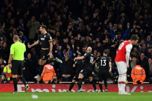 Arsenal perde contra o Brighton e segue em queda livre na Premier League