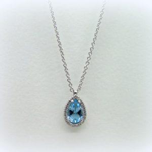 Collana ciondolo con goccia di topazio azzurro in argento 925 artigianale