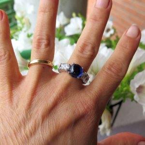 Anello donna eternity in argento 925 centro cabochon blu