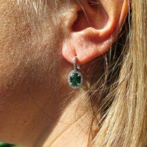Orecchini artigianali in argento 925 centro pietra verde