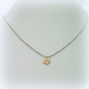 Collana quadrifoglio con punto luce in argento