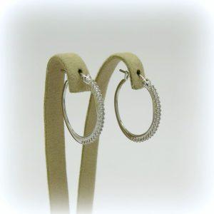 Orecchini pendenti cerchio in oro bianco e pietre