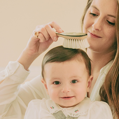 5 bonnes raisons d'utiliser notre Brosse Chérubin en soie de chèvre pour votre bébé.