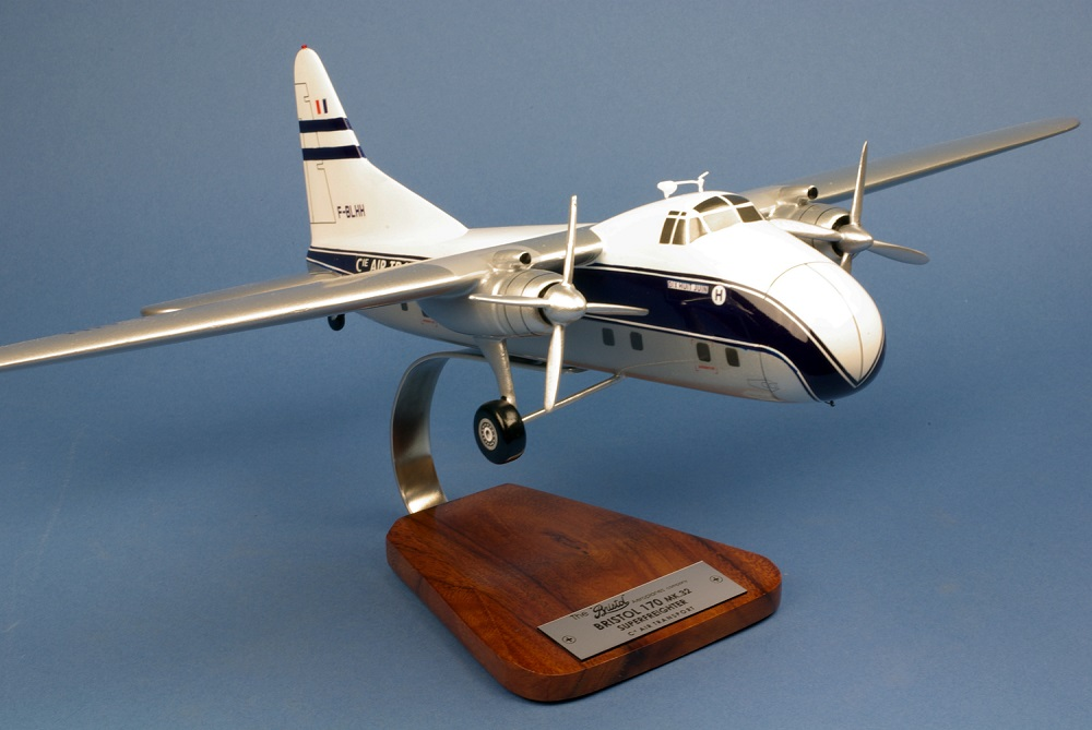Bristol 170 MK 32 SuperFreighter Cie Air Transport , model airplane, model,  standing model, aircraft glider