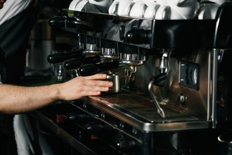 barista preparing a coffee